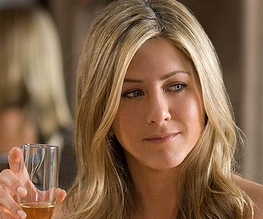 Aniston in Pretend Wife: Let The Underwhelming Begin
