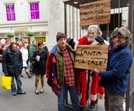 Santa spotted in London!