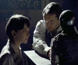 Scorsese's new flick Hugo gets its first trailer