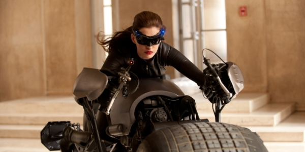 First Pictures of Anne Hathaway as Catwoman