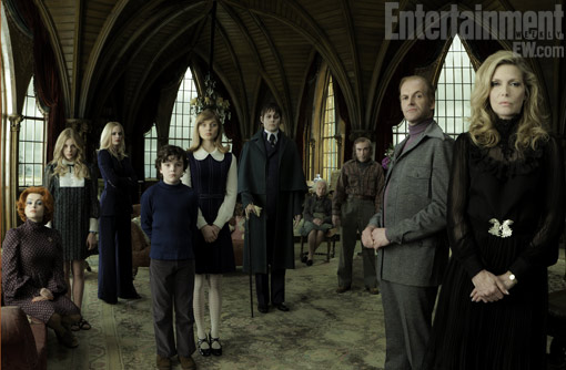 First official picture from Burton's Dark Shadows