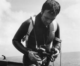 Jaws underwater cameraman dies at 78